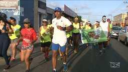 Atletas realizam corrida no dia das crianças, em São Luís