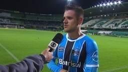Ramiro fala de felicidade em voltar a marcar com a camisa do Grêmio