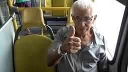 Apesar de lei, idosos dizem ter dificuldades para encontrar lugar em ônibus