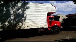 Caminhão com carga de eletrodomésticos é roubado na PR 323