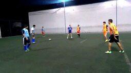 Amigos do Ceará matam a saudade de casa jogando bola