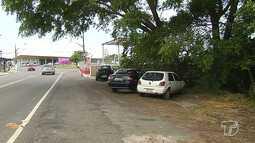Estacionamento pago no aeroporto de Santarém tem feito motoristas estacionarem na rodovia