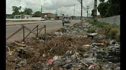 Mais de 100 toneladas de lixo e de entulho são despejadas nas ruas de Belém todos os dias
