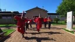 Companhias de folia de reis festejam pelas ruas de Potirendaba