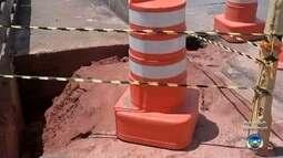 Falta de manutenção após chuvas transforma calçadas de Bauru em armadilhas