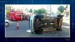 Acidente entre três carros deixam três pessoas feridas no bairro Flamboyant, em Campos