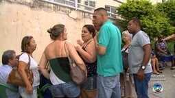 Pessoas esperam mais de 10h em fila para tomar vacina contra febre amarela em Sorocaba