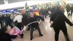 Aeroporto alemão vira palco de pancadaria entre turcos e curdos