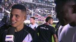 """Paulinho lembra pancada em gol marcado: """"Nem vi a bola entrando, só escutei a torcida"""""""