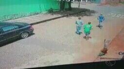Criminosos invadem casa e matam duas pessoas em Monte Carmelo