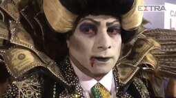 'Vampiro-presidente' desiste de usar faixa presidencial no desfile das campeãs