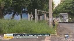 Mato alto prejudica o trânsito na Vila Tibério em Ribeirão Preto