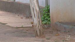 Moradores continuam preocupados com as condições precárias dos postes de iluminação