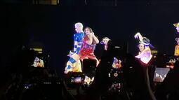 Katy Perry e Gretchen dançam juntas em show em São Paulo