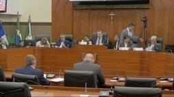 Justiça suspende CPI do paletó por escolha de aliados
