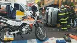 Motorista fica ferido após acidente entre van escolar e carro em São Carlos, SP