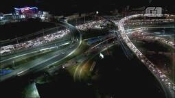 Apagão deixa trânsito intenso durante a noite em Salvador