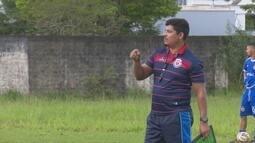 Novo técnico do Vilhena é apresentado e coloca jogadores para trabalhar