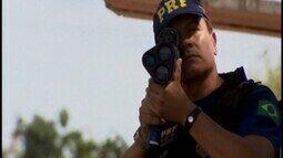 Polícia Rodoviária Federal intensifica fiscalização para combater infrações na BR-262