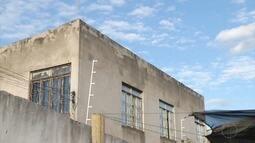 Pedreiro cai de telhado com três metros de altura e morre em Governador Valadares