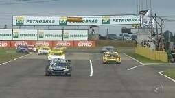Átila Abreu consegue primeira vitória na temporada da Stock Car