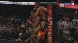 Garçom do sul de Minas que pratica MMA chama atenção do UFC
