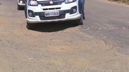 Buracos na BR 421, região de Ariquemes, preocupam motoristas