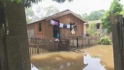 Famílias afetadas pelas chuvas são levadas para abrigos em Caracaraí, Sul de Roraima