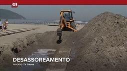 G1 em 1 Minuto - Santos: Equipes fazem o desassoreamento dos canais da orla de Santos