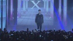 Luan Santana canta sucessos dos 10 anos de carreira em Santos