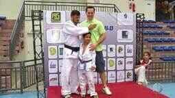 Turma de judocas natalenses conhece Tiago Camilo; ex-judoca já conquistou título em Natal