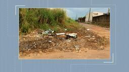 Moradores reclamam de condições de ramal no Irineu Serra e lixo no Nova Esperança