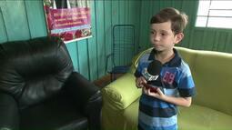 Ryan tem 8 anos e é apaixonado por TV e ainda não tinha sinal digital em casa