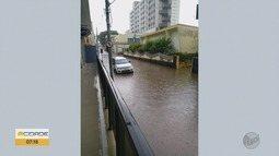 Chuva forte com granizo causa estragos em Itajubá, MG