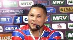 Fortaleza apresenta Madson