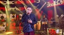 Nicolas Gabriel canta 'Cem Mil'