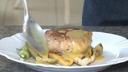 Confira a receita de surubim regado ao molho de seriguela acompanhado de legumes grelhado
