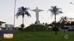 Estátua do Cristo Redentor é alvo de vandalismo em Presidente Prudente