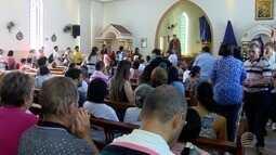 Devotos participam de celebrações religiosas no Dia de Santo Expedito