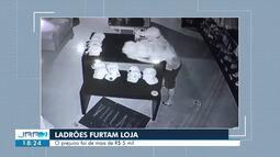 Câmeras de segurança flagram furto de roupas em loja da zona Oeste de Boa Vista