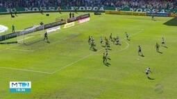 Cuiabá perde para o Coritiba na série B.