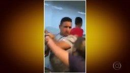 Mulheres expulsam rapazes de vagão exclusivo do metrô no DF