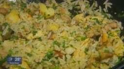 """Quadro """"Prato Fácil"""" traz diga de arroz com panceta e frango"""