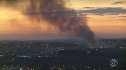 Incêndio destrói grande área na zona industrial de Sorocaba