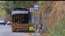 MG1 mostra questionamento de moradores sobre a situação da Avenida Autorama em Divinópolis