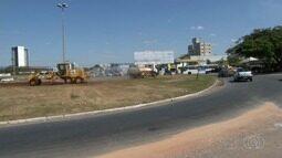 Rotatória dos Correios começa a ser aberta para facilitar trânsito