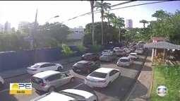 Obra interdita trecho da Avenida Rui Barbosa, na altura do Museu do Estado