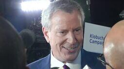 Prefeito de Nova York desiste da disputa pela indicação democrata