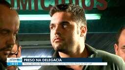 Alejandro deixa centro de triagem de cadeia e é levado para delegacia onde cumprirá prisão