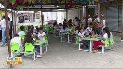 Alunos de escola municipal têm aula de arte na Feira de Caruaru